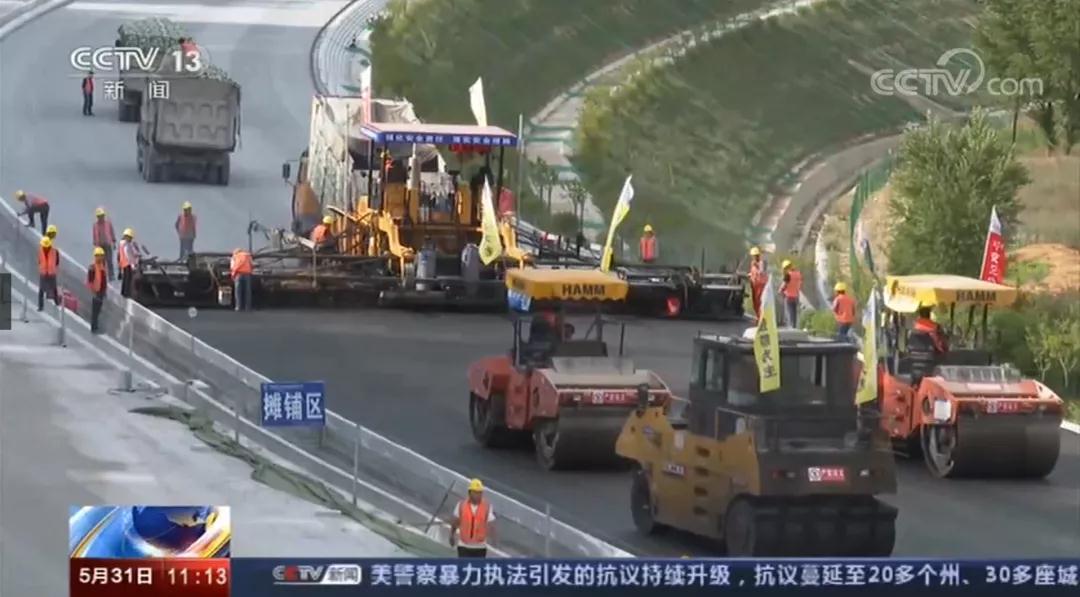 【新闻直播间】陕西 宝坪高速进入路面施工阶段